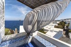 Villaggio di Stromboli sull'isola di Stromboli immagini stock libere da diritti