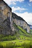 Villaggio di stupore di Lauterbrunnen, Svizzera immagini stock