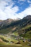 Villaggio di Vals nelle alpi della Svizzera Immagine Stock