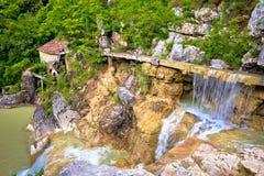 Villaggio di vecchio mulino a acqua di Kotle Immagini Stock Libere da Diritti