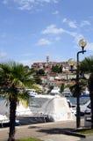 Villaggio e porticciolo di Vsar, Croazia Fotografie Stock