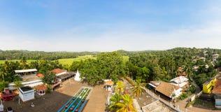 Villaggio in foresta tropicale sulla vista di panorama del Ceylon Fotografie Stock