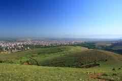 Villaggio fra le colline Fotografia Stock Libera da Diritti
