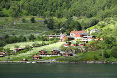 Villaggio Geiranger, fiordo di Geiranger, Norvegia Fotografie Stock Libere da Diritti