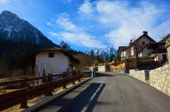 Villaggio italiano nelle montagne Immagini Stock Libere da Diritti