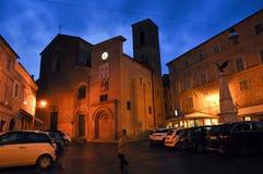 Villaggio medievale di Mogliano in Italia centrale fotografia stock