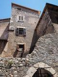 Villaggio medievale di Sermoneta in Italia Fotografie Stock