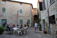 Villaggio medievale di Staffolo in Italia centrale immagini stock libere da diritti