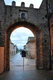 Villaggio medievale nella regione della Marche, Italia centrale di Petriolo fotografie stock libere da diritti