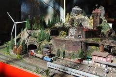 Villaggio miniatura con il parco eolico Fotografia Stock Libera da Diritti