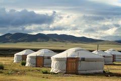 Villaggio Mongolia di Yurt fotografia stock