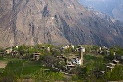 Villaggio in montagne Immagini Stock