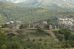 Villaggio nei Pyrenees. Fotografie Stock Libere da Diritti