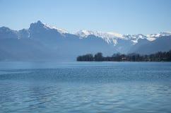 Villaggio nel lago StWolfgang immagini stock