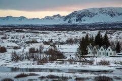 Villaggio nel paesaggio dell'Islanda Fotografia Stock Libera da Diritti