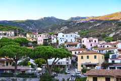 Villaggio nell'isola di Elba, Toscana, Italia immagini stock libere da diritti