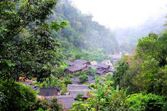 Villaggio nella montagna Fotografia Stock
