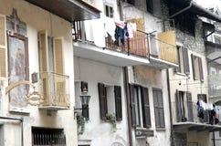 Villaggio nella Valle di Aosta Immagini Stock