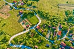 Villaggio nella vista aerea rurale della Croazia Immagini Stock Libere da Diritti