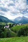 Villaggio nelle alpi Fotografia Stock Libera da Diritti