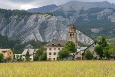 Villaggio nelle alpi francesi Fotografie Stock