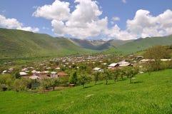 Villaggio nelle montagne dell'Armenia Fotografia Stock Libera da Diritti