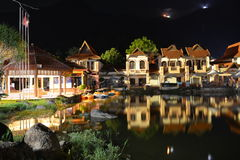 Villaggio orientale alla notte Fotografie Stock