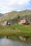 Villaggio pastorale in montagne Immagini Stock