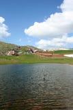 Villaggio pastorale in montagne Fotografia Stock Libera da Diritti