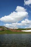 Villaggio pastorale in montagne Immagini Stock Libere da Diritti