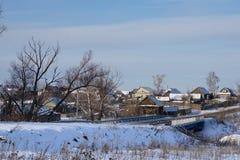 Villaggio russo NIZHNE ABLYAZOVO nell'inverno nella regione di Penza Fotografia Stock