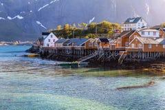 Villaggio scenico di Reine della città, isole di Lofoten, Norvegia Immagini Stock Libere da Diritti