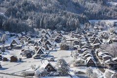 Villaggio storico di Shirakawago nell'inverno, Giappone Immagini Stock