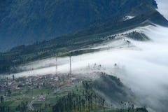 Villaggio sulla montagna Fotografia Stock Libera da Diritti