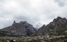 Villaggio sulla montagna Immagini Stock Libere da Diritti