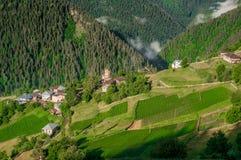 villaggio sulle alte colline Fotografia Stock Libera da Diritti