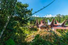 Villaggio tradizionale di Toraja nel paesaggio idilliaco Fotografie Stock
