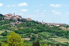 Villaggio tradizionale tipico in Toscana - in Toscana, Italia Fotografie Stock