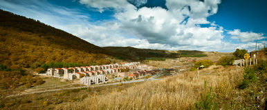 Villaggio in una valle Fotografia Stock