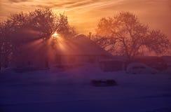 Villaggio Urozhainoe di Altai del Russo a mattina con lo stupore Fotografia Stock Libera da Diritti