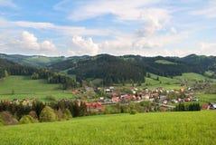 Villaggio Velke Karlovice dell'altopiano Fotografia Stock Libera da Diritti