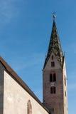 VILLANDERS SÖDRA TYROL/ITALY - MARS 27: Klockstapel av församlingen Royaltyfria Foton