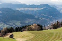 VILLANDERS SÖDRA TYROL/ITALY - MARS 27: Sikt in mot Doloen Fotografering för Bildbyråer