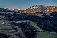 VILLANDERS, SÜD-TYROL/ITALY - 26. MÄRZ: Ansicht der Dolomit stockfoto