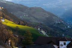 VILLANDERS, SÜD-TYROL/ITALY - 27. MÄRZ: Ansicht von Villanders an Lizenzfreies Stockbild