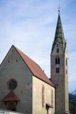 VILLANDERS, SÜD-TYROL/ITALY - 27. MÄRZ: Die Gemeinde-Kirche herein Stockbilder