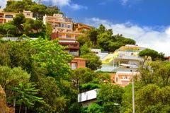 Villas dans le style espagnol de station de vacances Blanes, Catalogne Images stock
