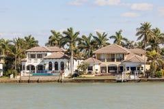 Villas de luxe à Naples, la Floride images libres de droits