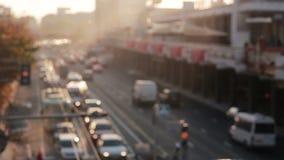 Ville à la vue supérieure de coucher du soleil des voitures du trafic blur clips vidéos
