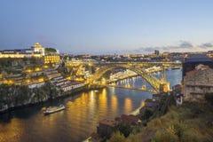 Ville étonnante de Porto avec le pont du ` s d'Eiffel, Portugal Photo stock